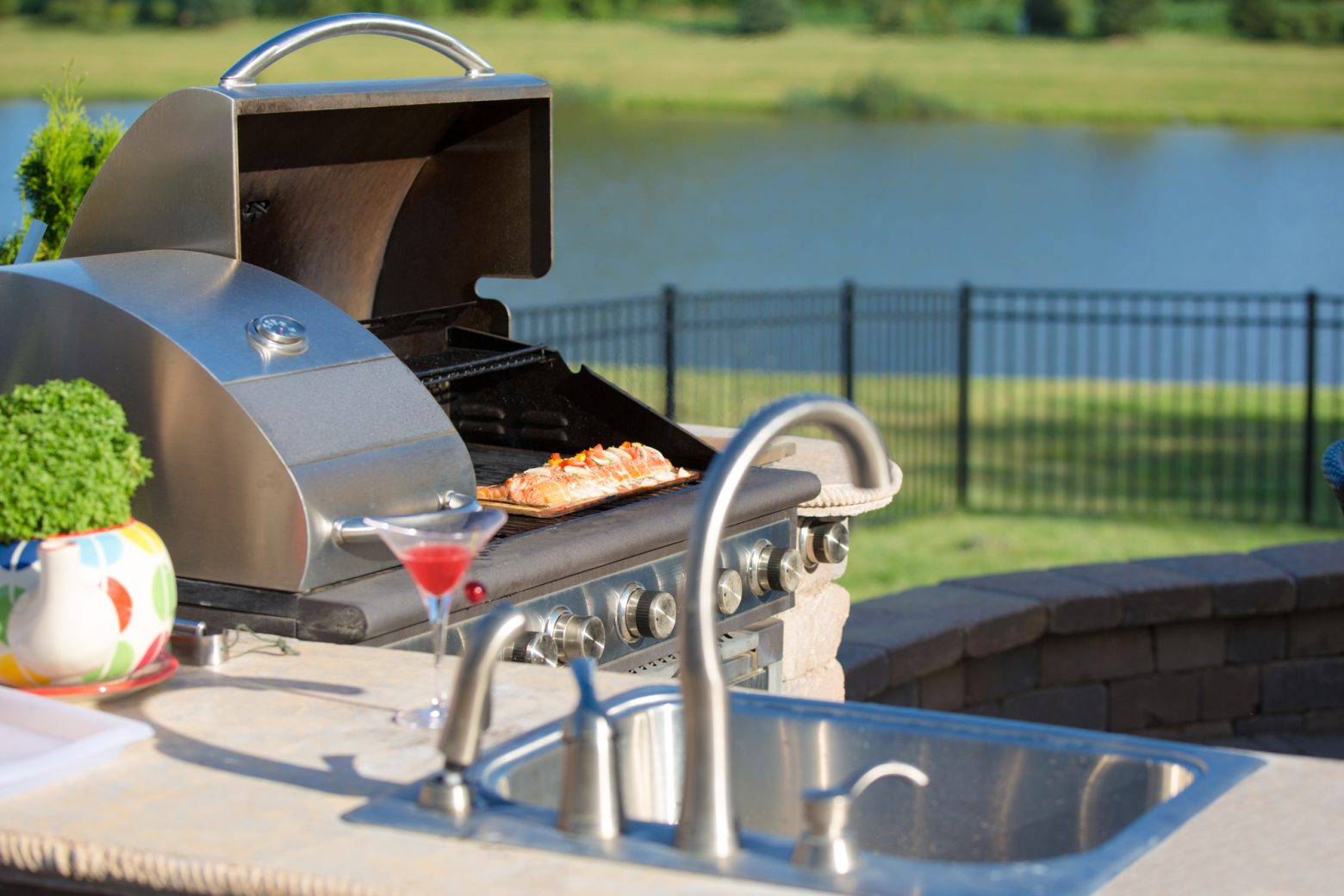 23 Easy To Build DIY Outdoor Kitchen Plans and Ideas
