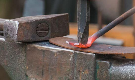 Wrought Iron vs Cast Aluminum Patio Furniture