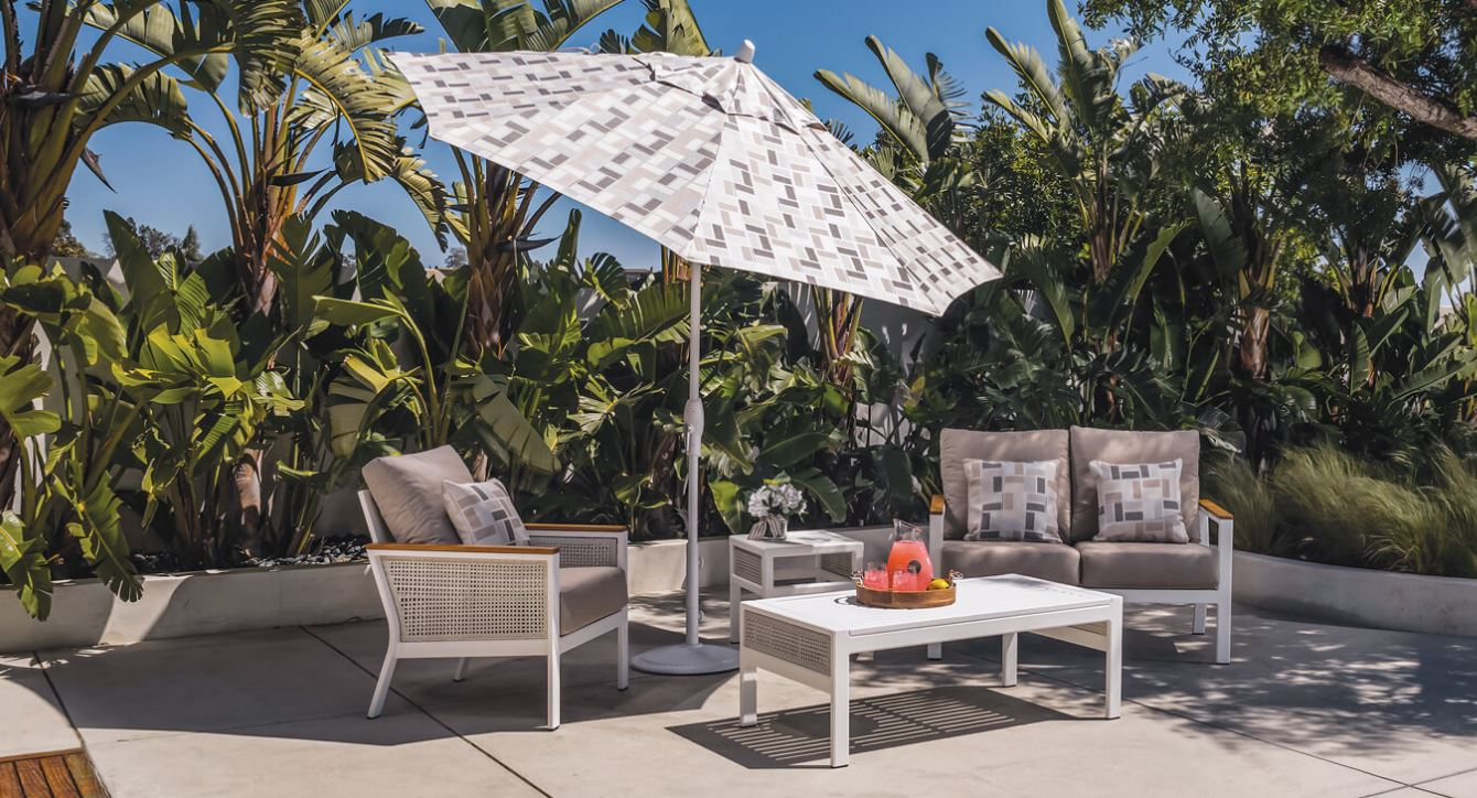 How to Choose an Outdoor Patio Umbrella Stand and Base