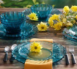 plastic outdoor dinnerware
