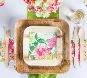 square paper plates in outdoor table setting