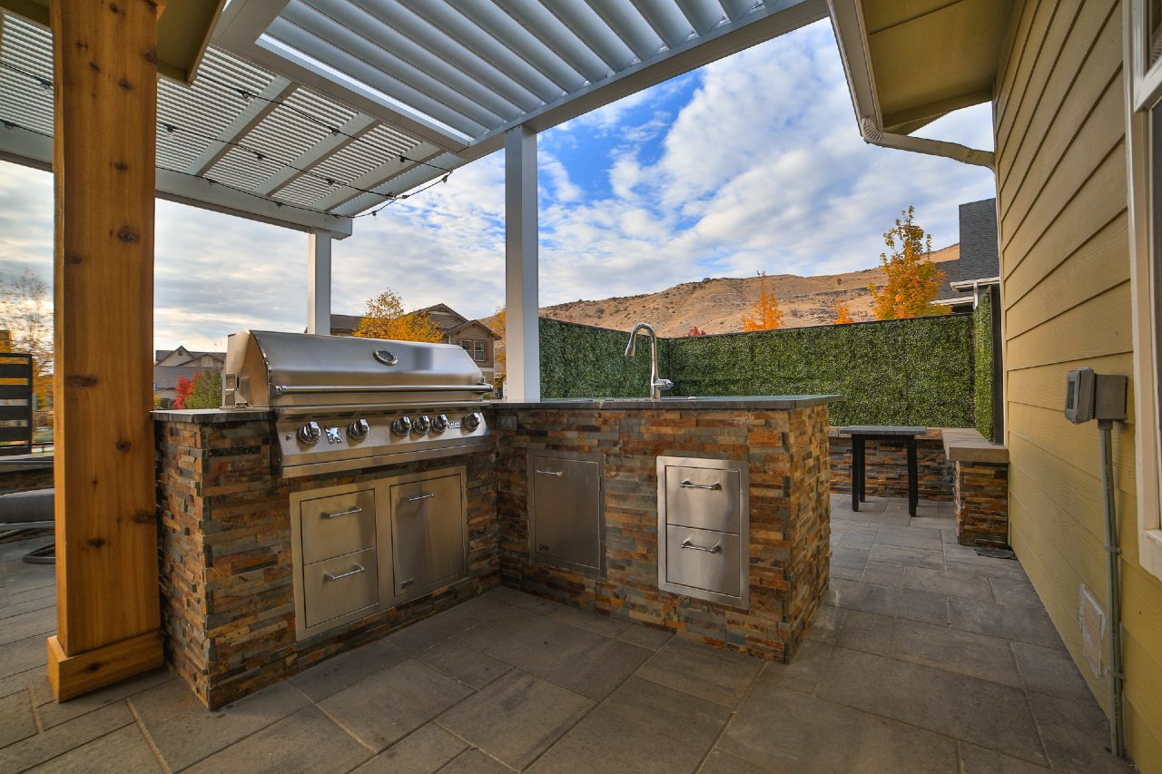 designing and outdoor kitchen things to consider