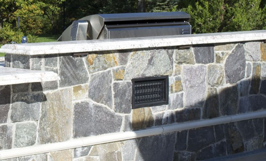 does an outdoor kitchen need a vent